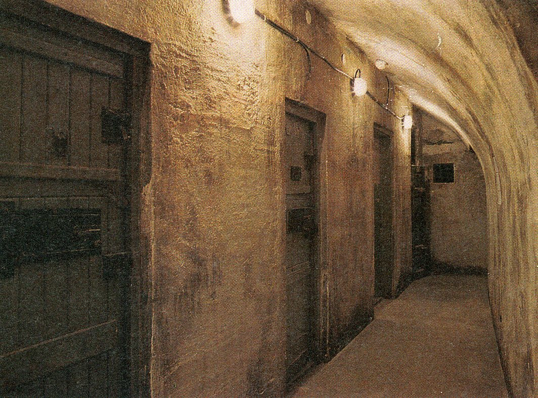 Terror Haza Budapest underground prison cells